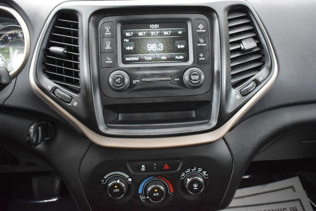 2017 Jeep Cherokee Altitude FWD - 18716095 - 24