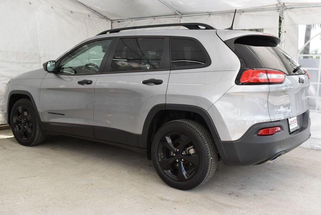2017 Jeep Cherokee Altitude FWD - 18716095 - 5