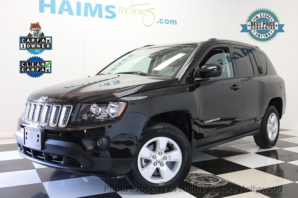 2017 Jeep Compass Latitude FWD - 17789594 - 0