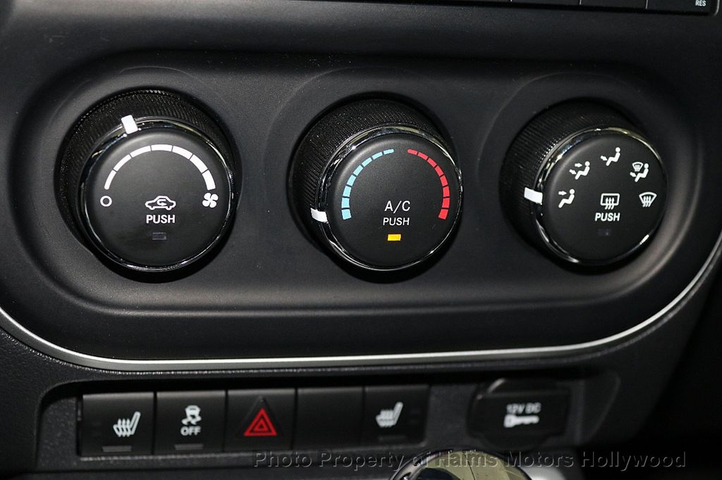 2017 Jeep Compass Latitude FWD - 17789594 - 19