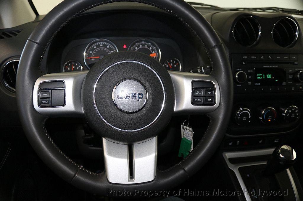2017 Jeep Compass Latitude FWD - 17789594 - 26