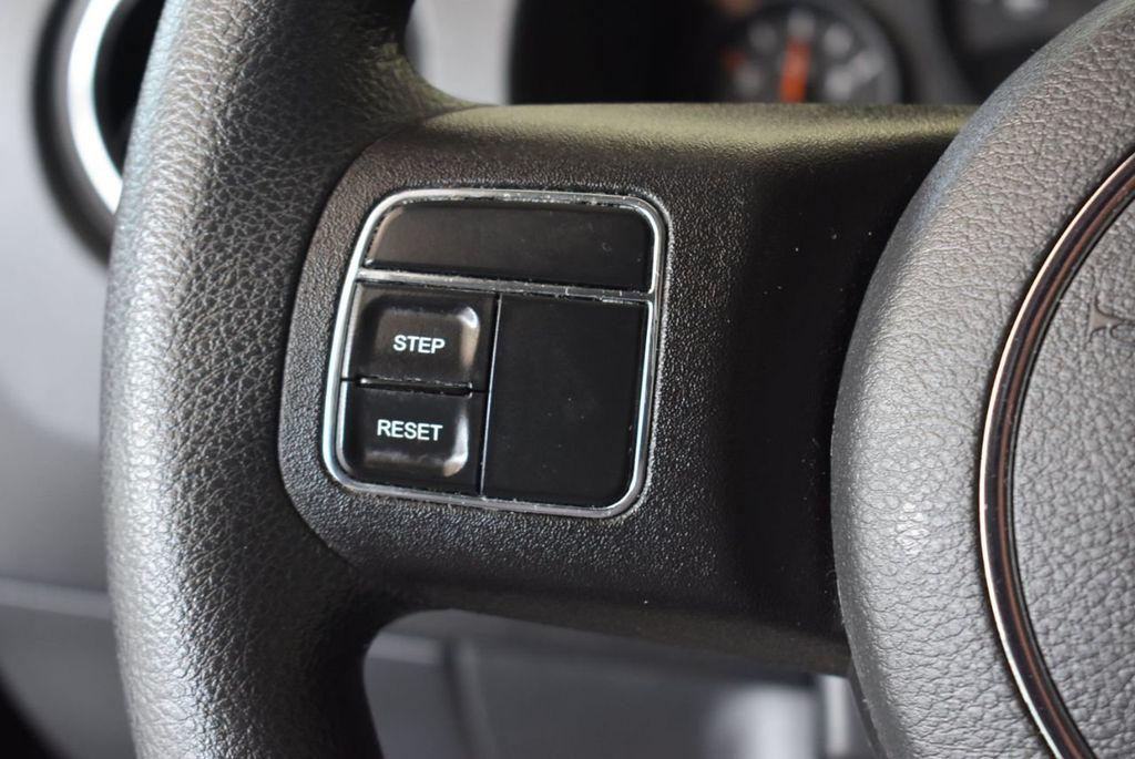 2017 Jeep COMPASS Sport FWD - 18122118 - 19