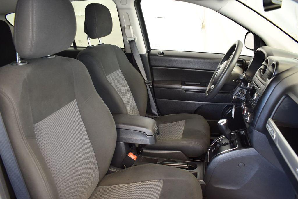 2017 Jeep COMPASS Sport FWD - 18122118 - 25