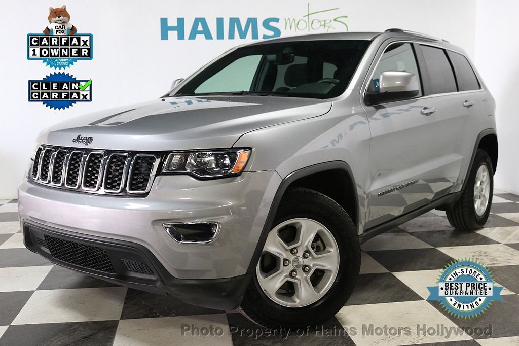 2017 Jeep Grand Cherokee Laredo 4x4 - 18187571 - 0