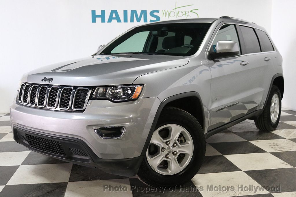 2017 Jeep Grand Cherokee Laredo 4x4 - 18187571 - 1