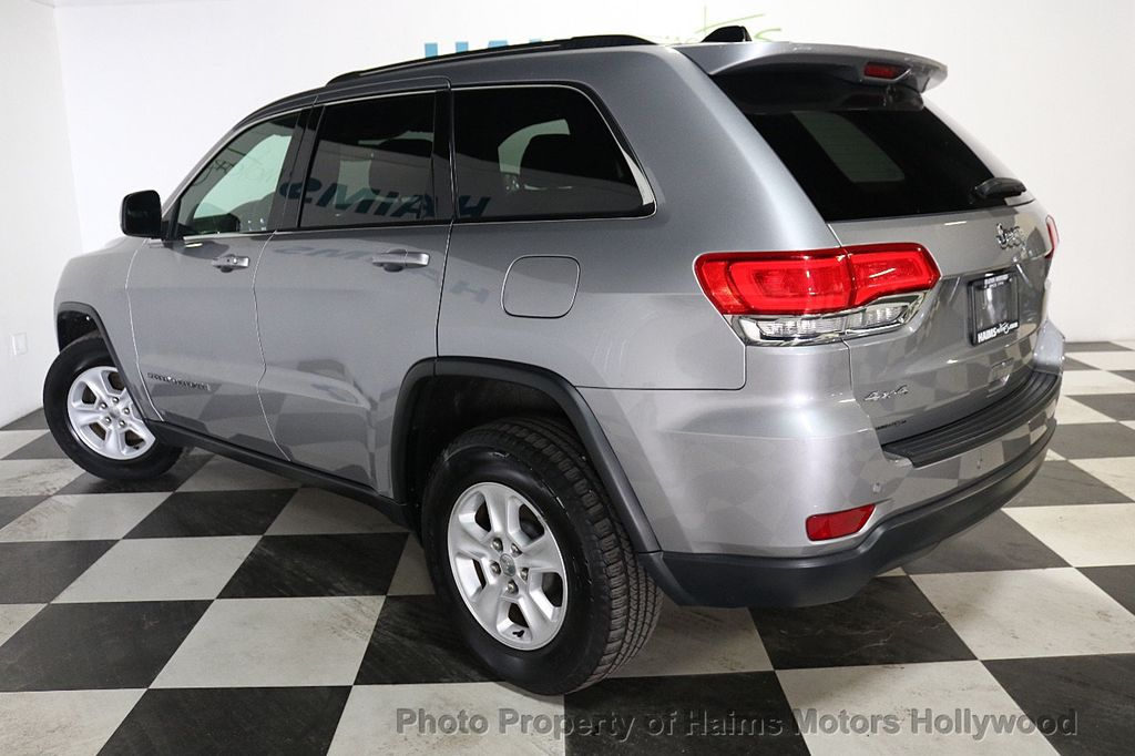 2017 Jeep Grand Cherokee Laredo 4x4 - 18187571 - 4