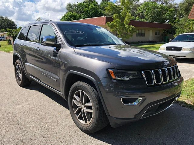 2017 Jeep Grand Cherokee Limited 4x2 - Click to see full-size photo viewer