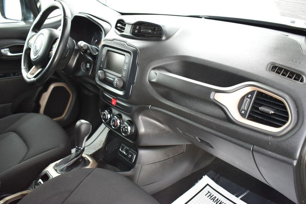 2017 Jeep Renegade Latitude FWD - 17924942 - 15