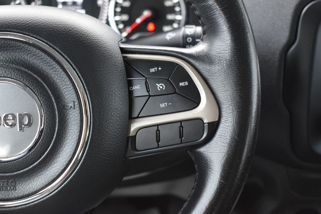 2017 Jeep Renegade Latitude FWD - 17924942 - 23