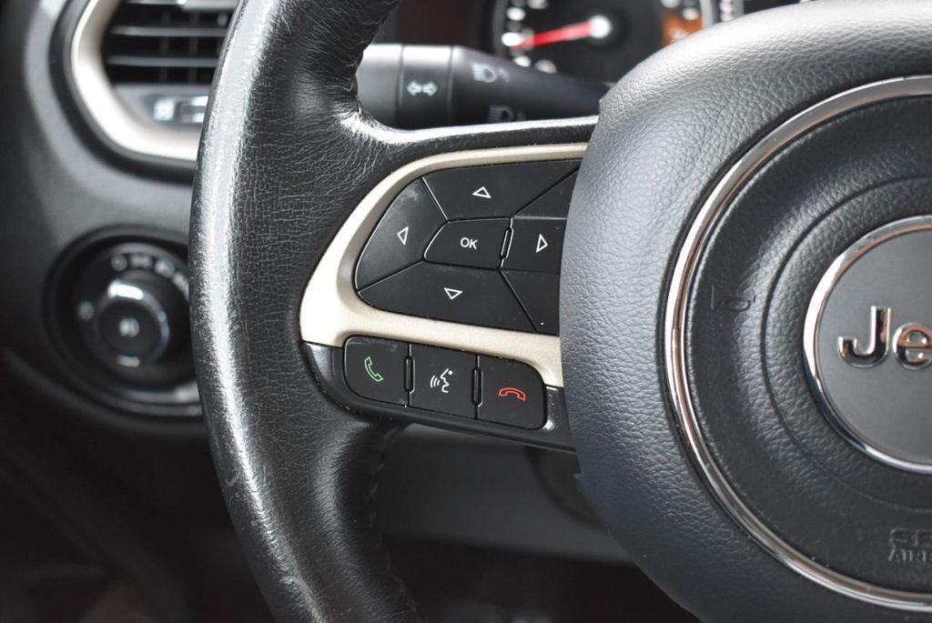 2017 Jeep Renegade Latitude FWD - 17924942 - 24