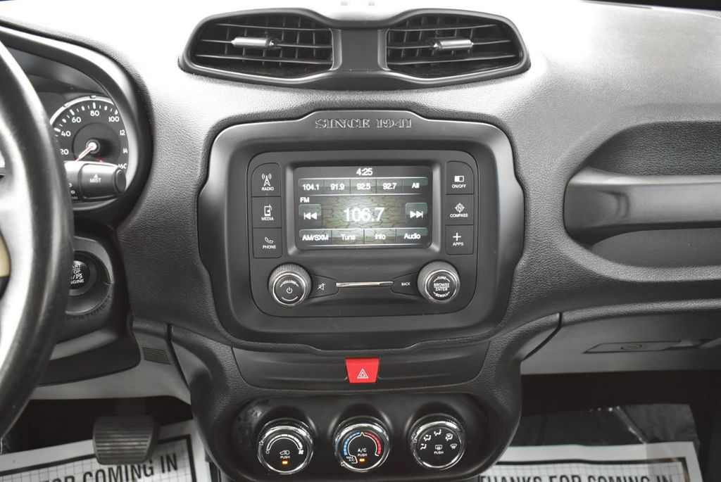 2017 Jeep Renegade Latitude FWD - 17924942 - 25