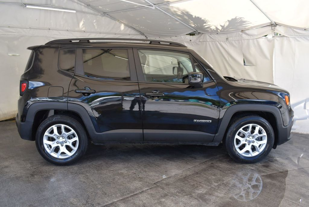 2017 Jeep Renegade Latitude FWD - 18250843 - 2