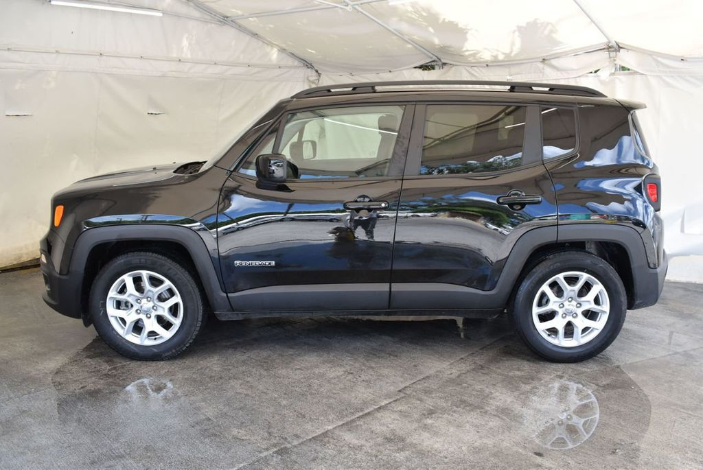 2017 Jeep Renegade Latitude FWD - 18250843 - 4