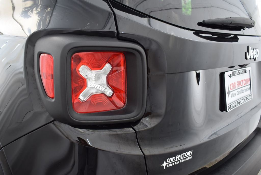2017 Jeep Renegade Latitude FWD - 18250843 - 6