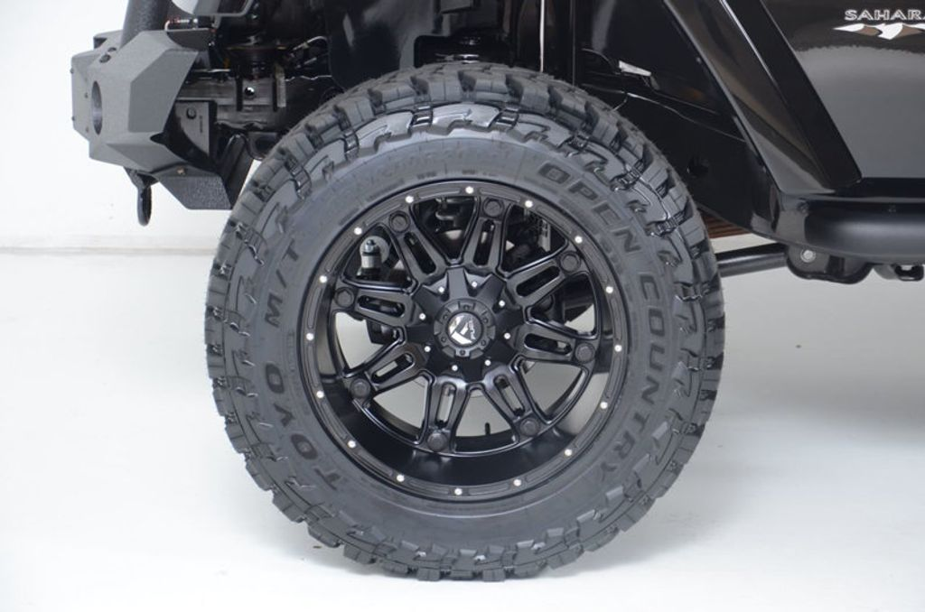 2017 Jeep Wrangler Unlimited New Rough Country Lift/Tires - 16408174 - 18