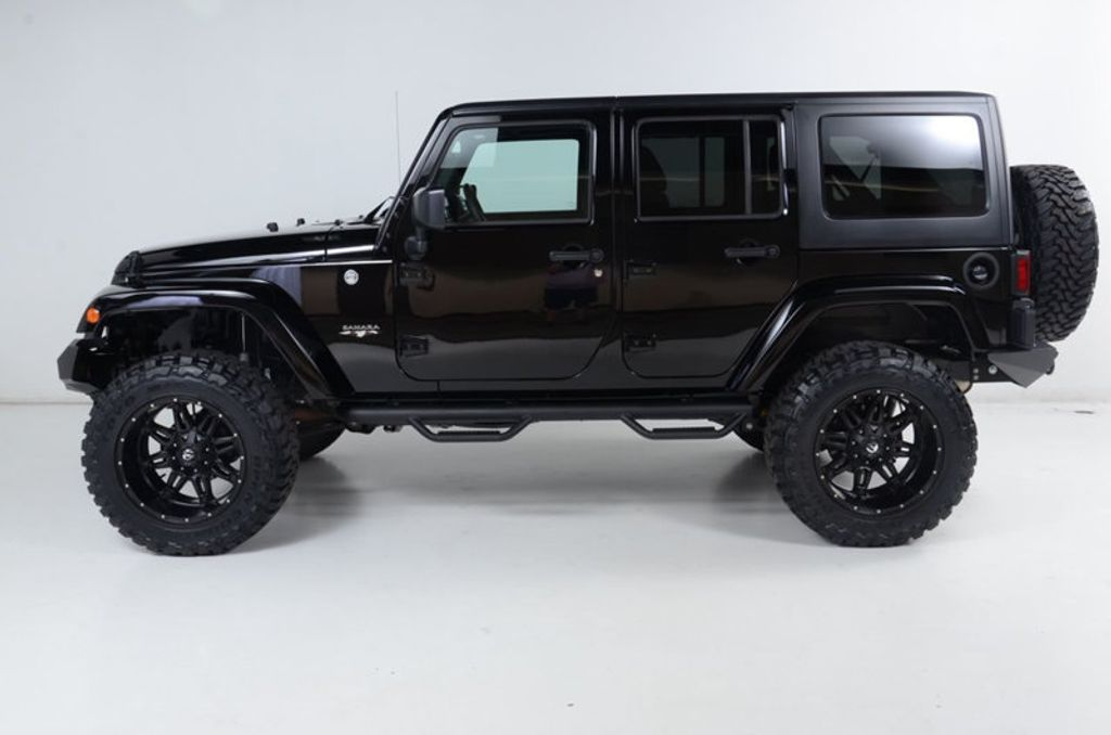 2017 Jeep Wrangler Unlimited New Rough Country Lift/Tires - 16408174 - 5