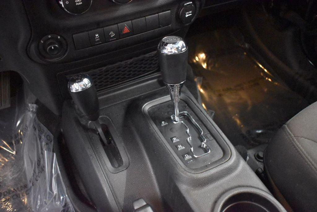 2017 Jeep Wrangler Unlimited Rubicon 4x4 - 17986922 - 14
