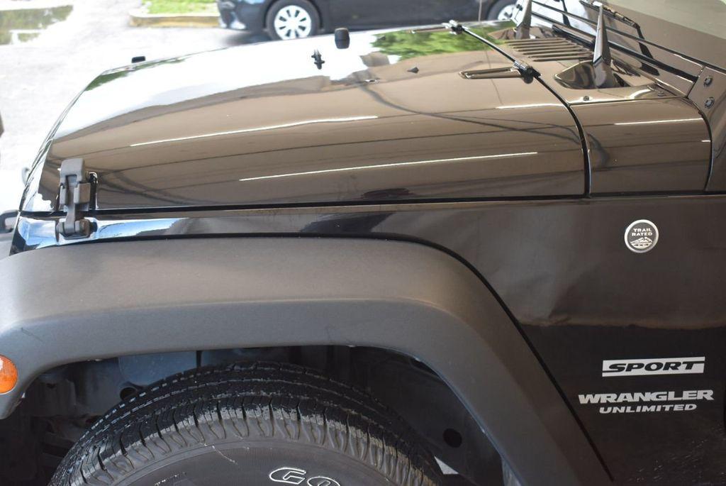 2017 Jeep Wrangler Unlimited Rubicon 4x4 - 17986922 - 3