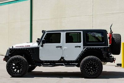 2017 Jeep Wrangler Unlimited Rubicon 4x4 - Click to see full-size photo viewer