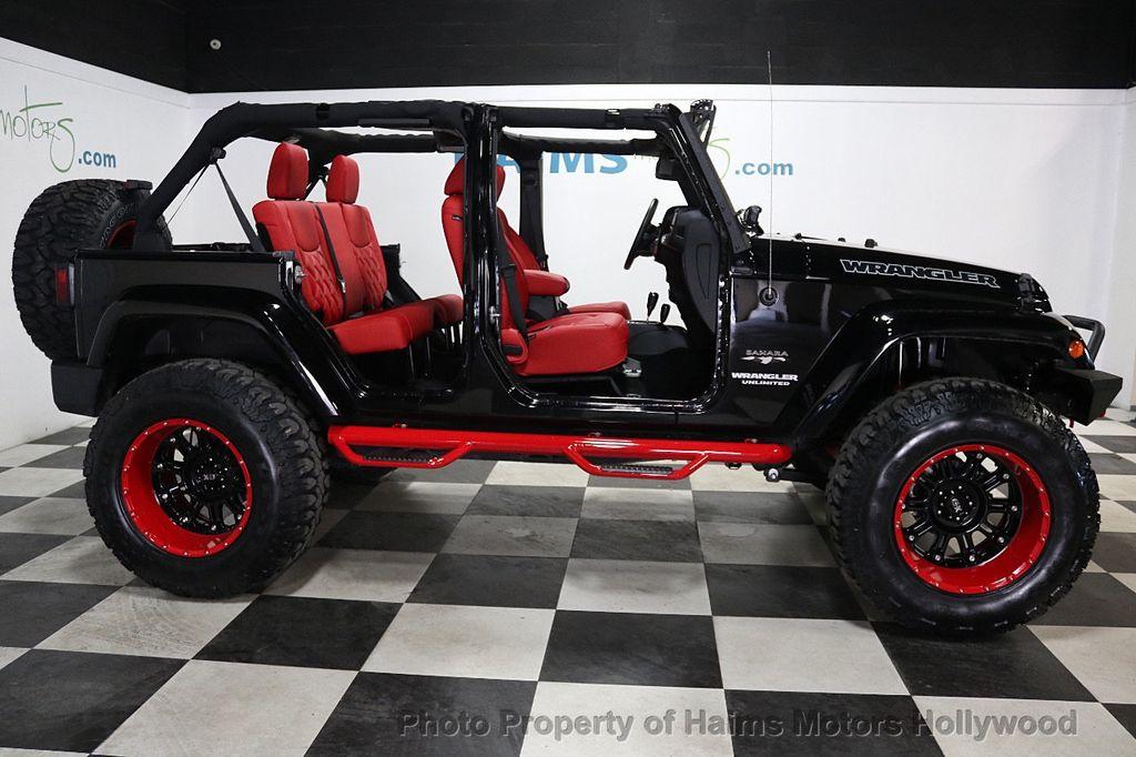 2017 Jeep Wrangler Unlimited Sahara 4x4 - 17858508 - 9