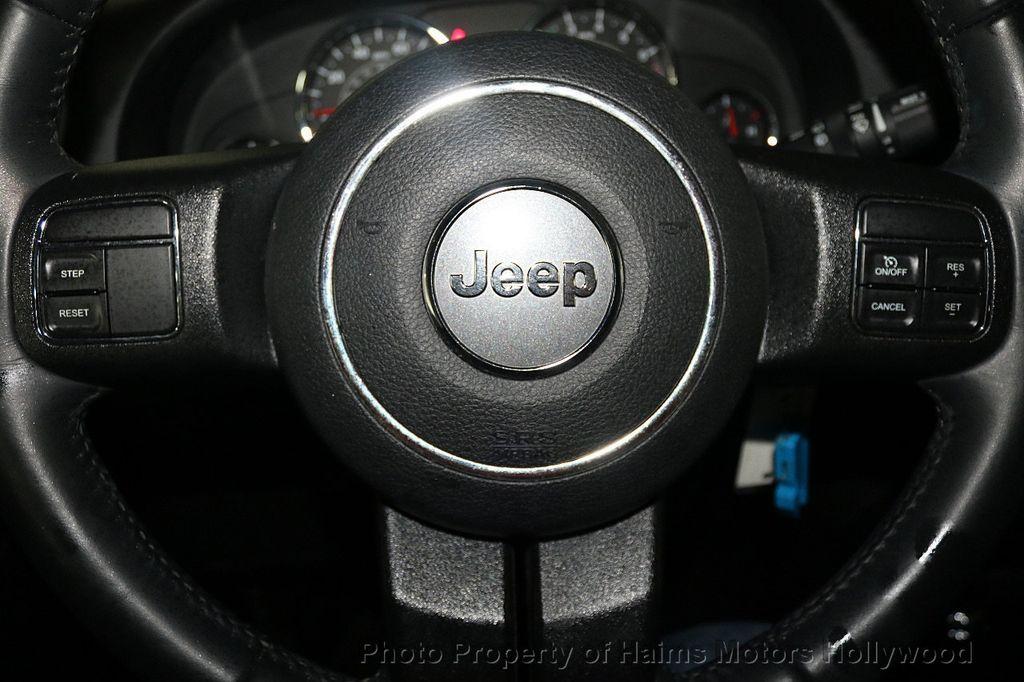 2017 Jeep Wrangler Unlimited Sahara 4x4 - 17858508 - 38