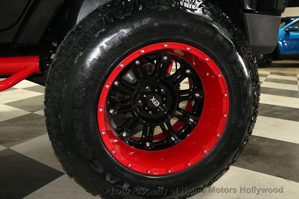 2017 Jeep Wrangler Unlimited Sahara 4x4 - 17858508 - 41