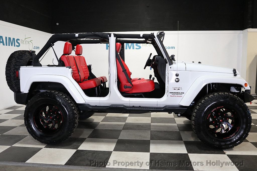 2017 Jeep Wrangler Unlimited Sahara 4x4 - 18387179 - 9