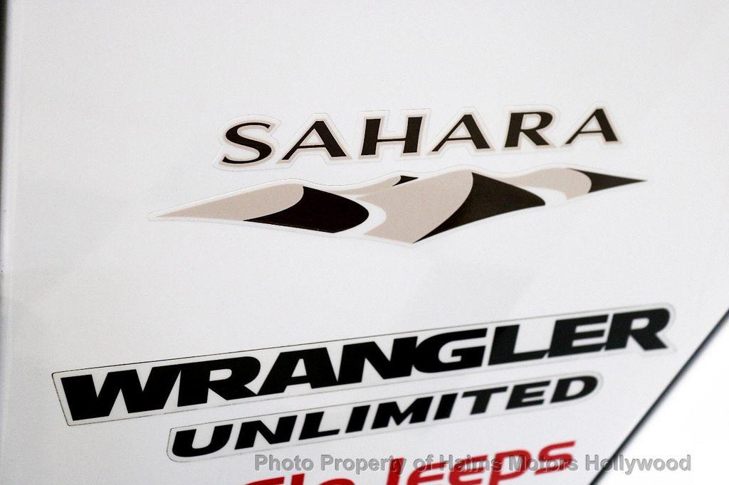 2017 Jeep Wrangler Unlimited Sahara 4x4 - 18387179 - 17
