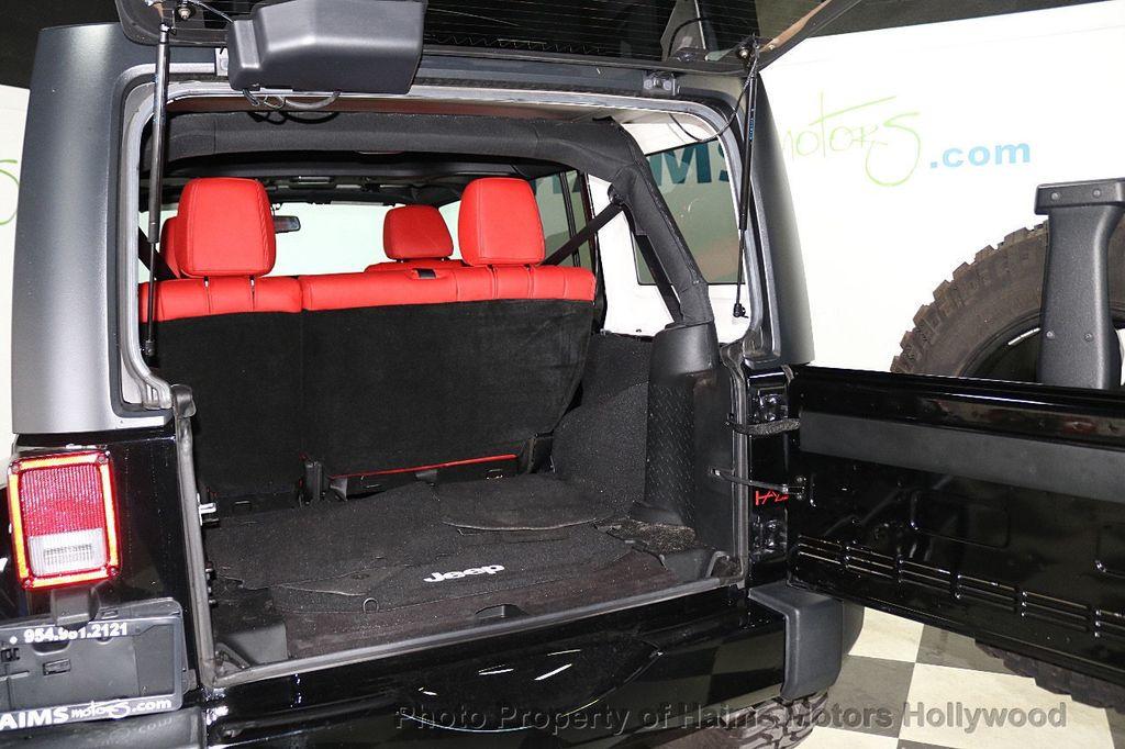 2017 Jeep Wrangler Unlimited Sahara 4x4 - 18482193 - 20