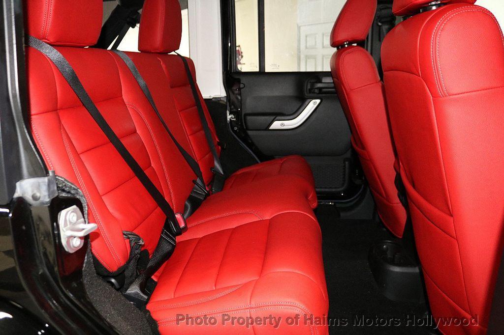 2017 Jeep Wrangler Unlimited Sahara 4x4 - 18482193 - 26