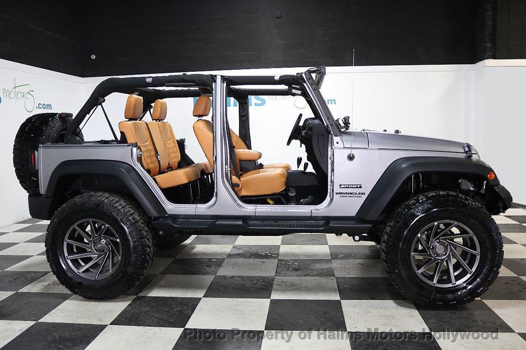 2017 Jeep Wrangler Unlimited Sport 4x4 - 17789449 - 9