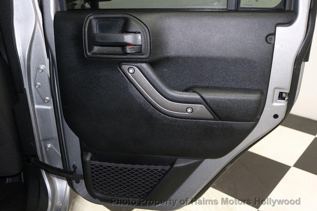 2017 Jeep Wrangler Unlimited Sport 4x4 - 17789449 - 23