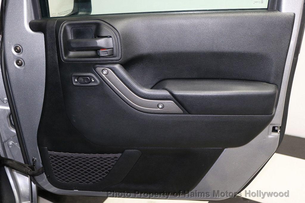2017 Jeep Wrangler Unlimited Sport 4x4 - 17789449 - 24