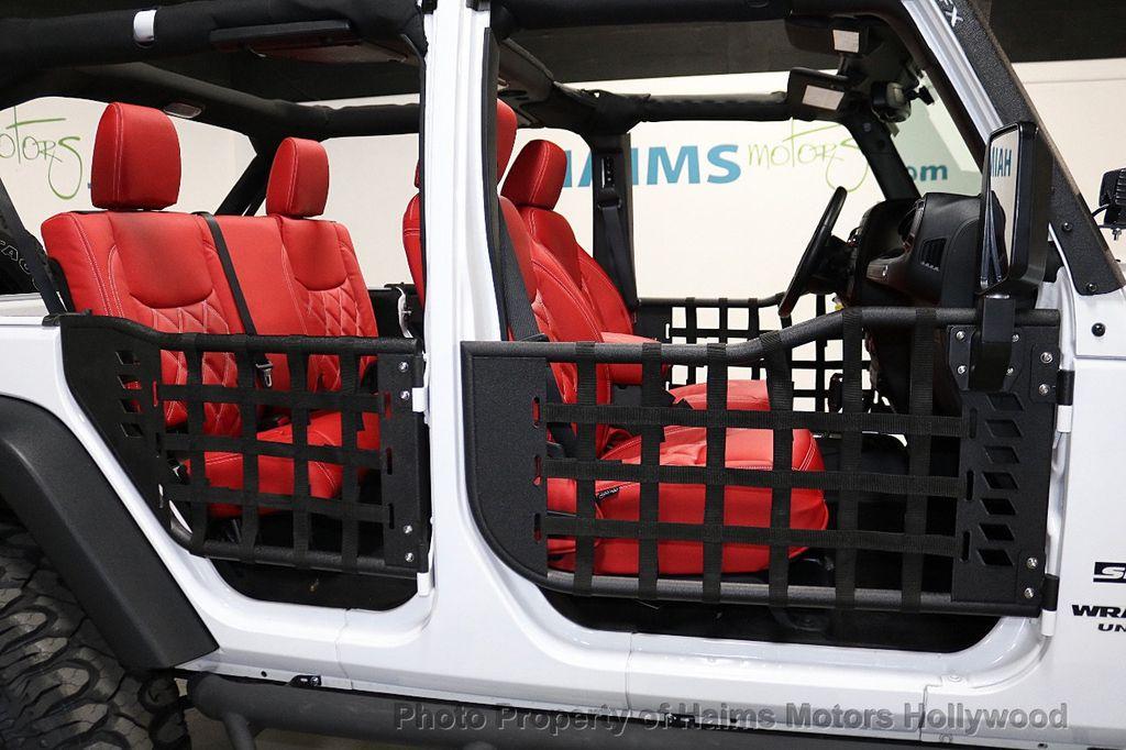 2017 Jeep Wrangler Unlimited Sport 4x4 - 18094539 - 31