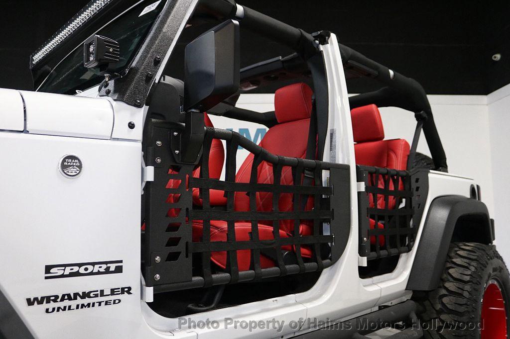 2017 Jeep Wrangler Unlimited Sport 4x4 - 18094539 - 32