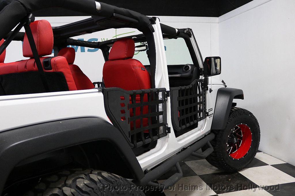 2017 Jeep Wrangler Unlimited Sport 4x4 - 18094539 - 33