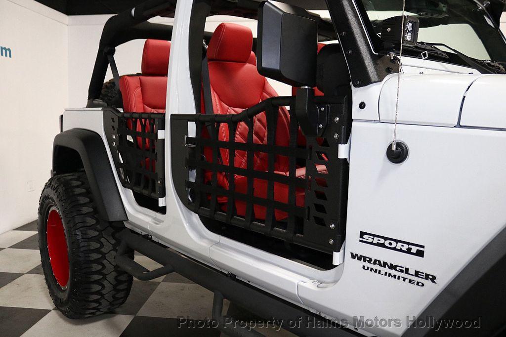 2017 Jeep Wrangler Unlimited Sport 4x4 - 18094539 - 34