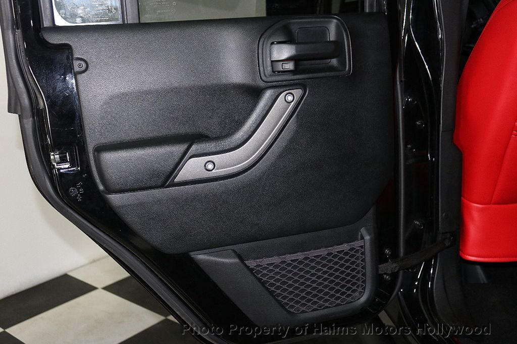 2017 Jeep Wrangler Unlimited Sport 4x4 - 18122625 - 10