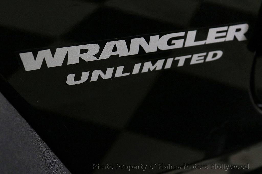 2017 Jeep Wrangler Unlimited Sport 4x4 - 18122625 - 7