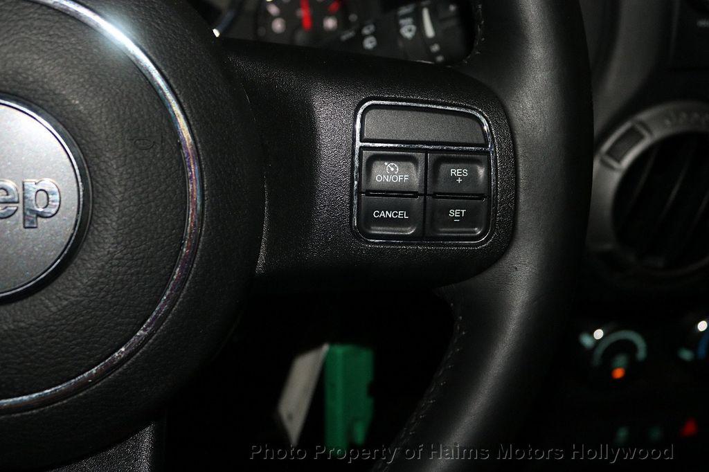 2017 Jeep Wrangler Unlimited Sport 4x4 - 18130393 - 39