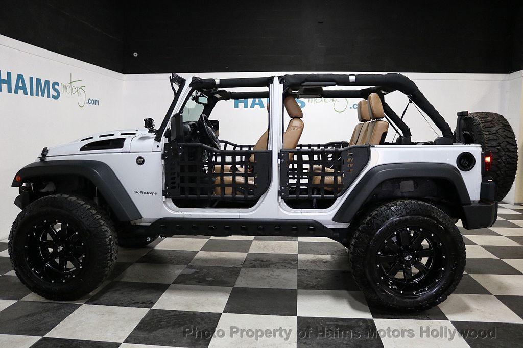 2017 Jeep Wrangler Unlimited Sport 4x4 - 18147715 - 9