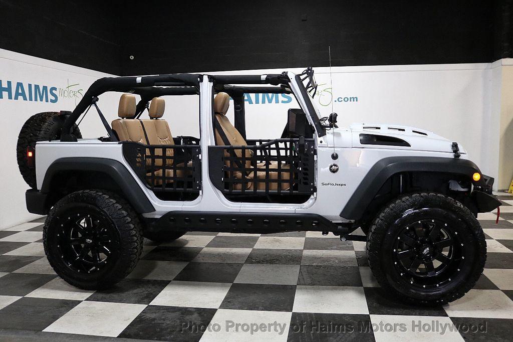 2017 Jeep Wrangler Unlimited Sport 4x4 - 18147715 - 10