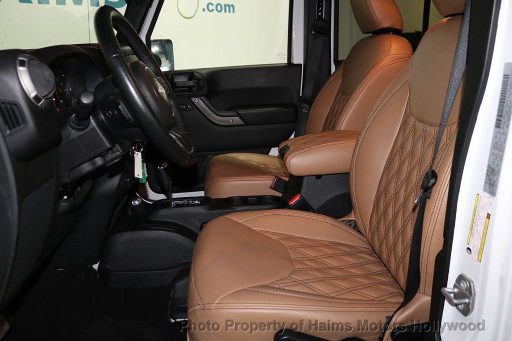 2017 Jeep Wrangler Unlimited Sport 4x4 - 18147715 - 28