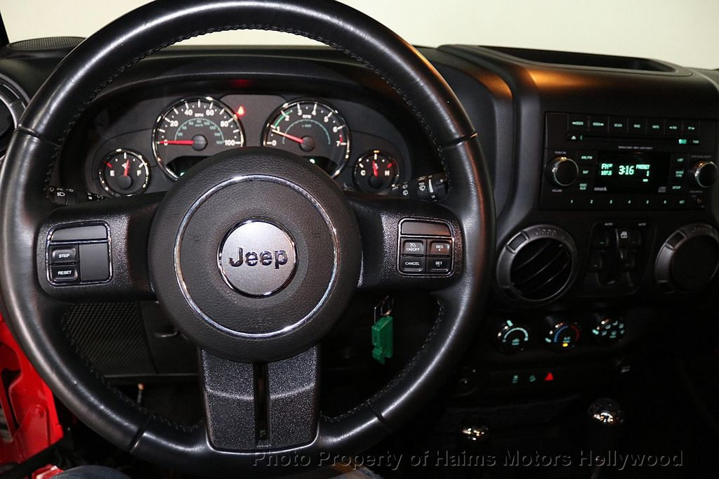 2017 Jeep Wrangler Unlimited Sport 4x4 - 18496941 - 38
