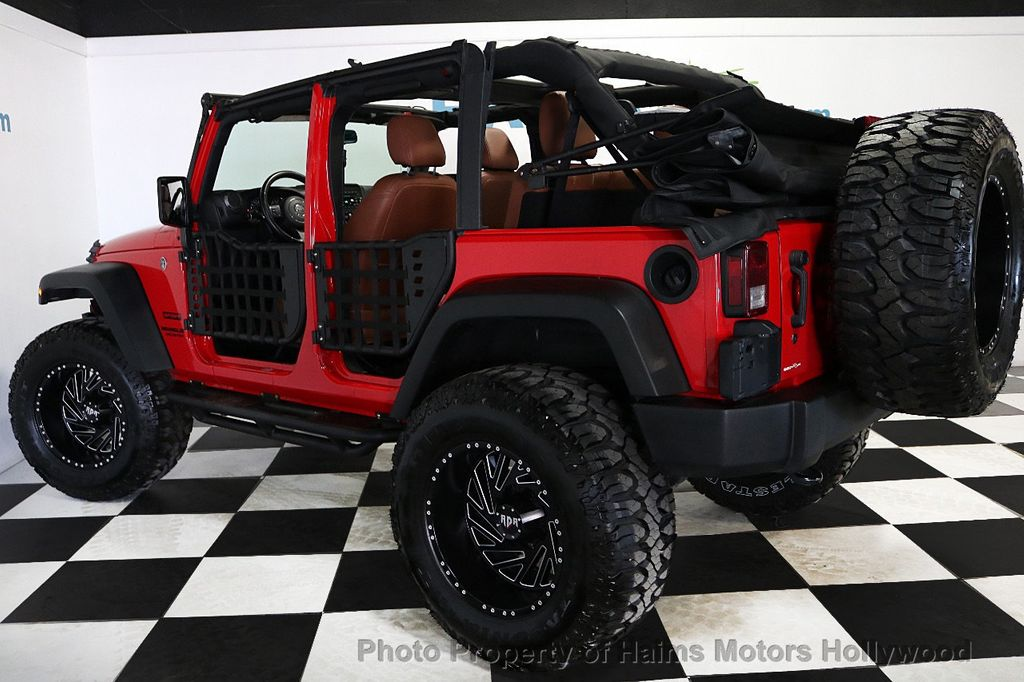 2017 Jeep Wrangler Unlimited Sport 4x4 - 18496941 - 8