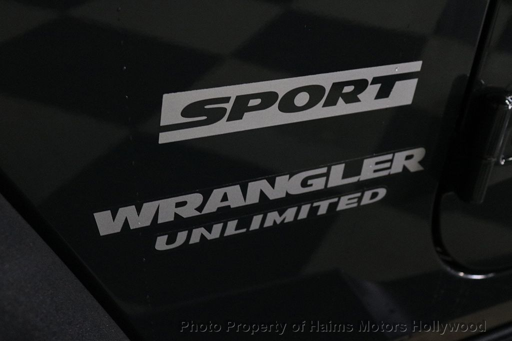 2017 Jeep Wrangler Unlimited Sport RHD 4x4 - 18716854 - 27