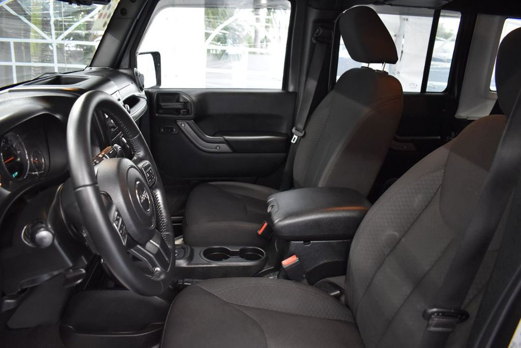 2017 Jeep Wrangler Unlimited UNLIMITED - 18343623 - 14