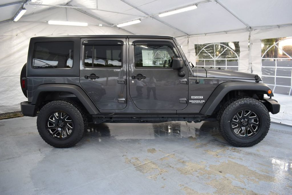 2017 Jeep Wrangler Unlimited UNLIMITED - 18343623 - 2