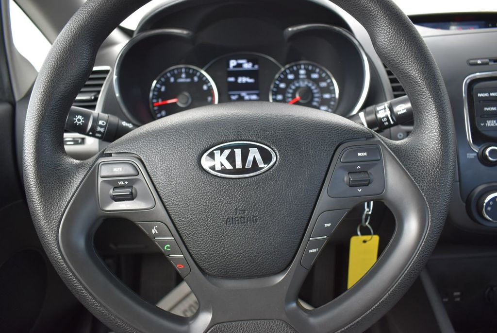2017 Kia Forte  - 18716110 - 18