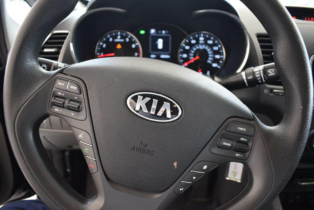 2017 Kia Forte LX Automatic - 18044370 - 8